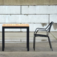 Jan Kurtz Tisch Quadrat Aluminium Gestell mit Teak Tischplatte