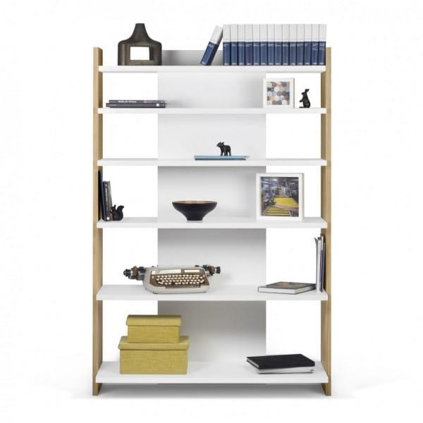 Temahome Bücherregal Niko - Eiche / Weiß dekoriert
