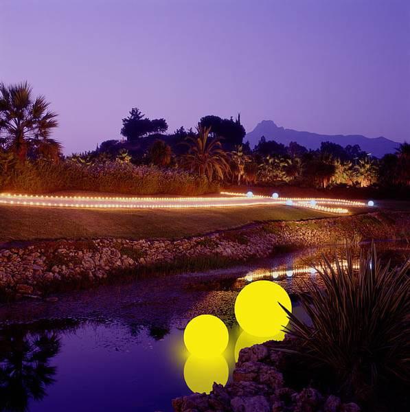 Moonlight MWV Schwimmleuchte Ambiente Flußlauf gelber Filter Nacht