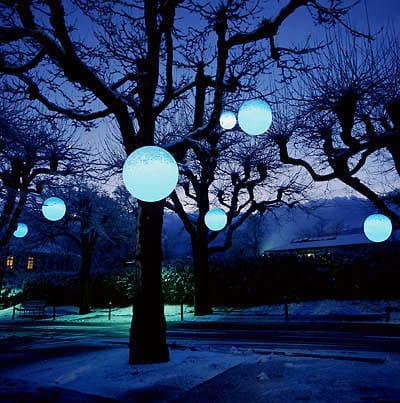 Moonlight Pendelleuchte MLH Weiß Farbfilter blau Ambiente Baum Nacht