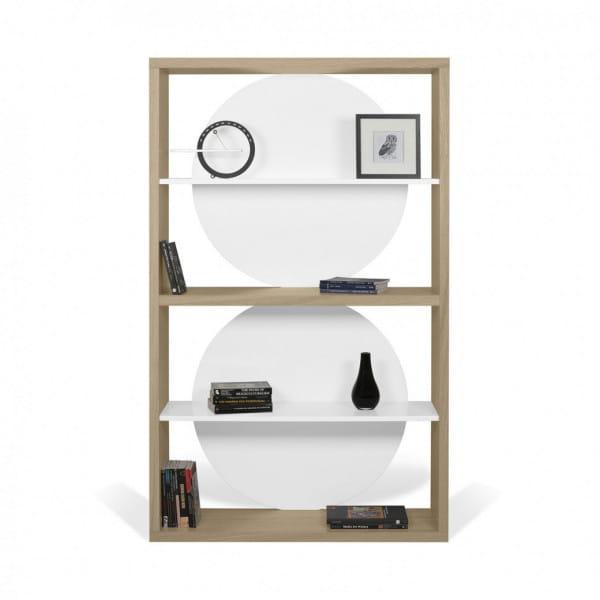 Temahome Designregal Zero - helle Eiche / Weiß dekoriert