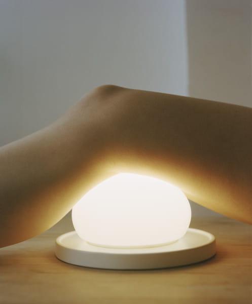 marset Tischleuchte LED Bolita Weiß Ambiente Berührung Bein
