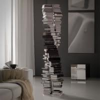 Bücher-Regal DNA