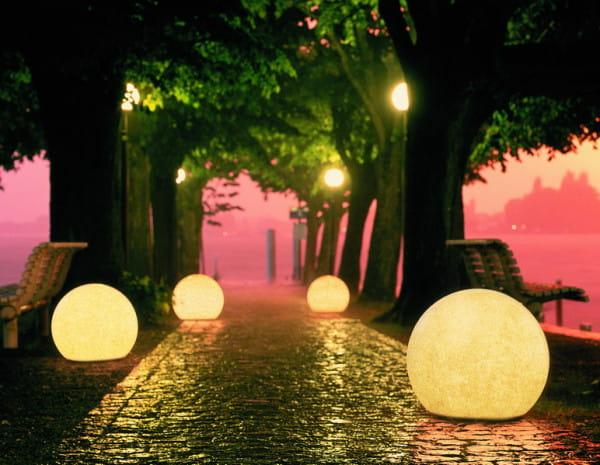 Moonlight Kugel MAG Ambiente Allee Nacht