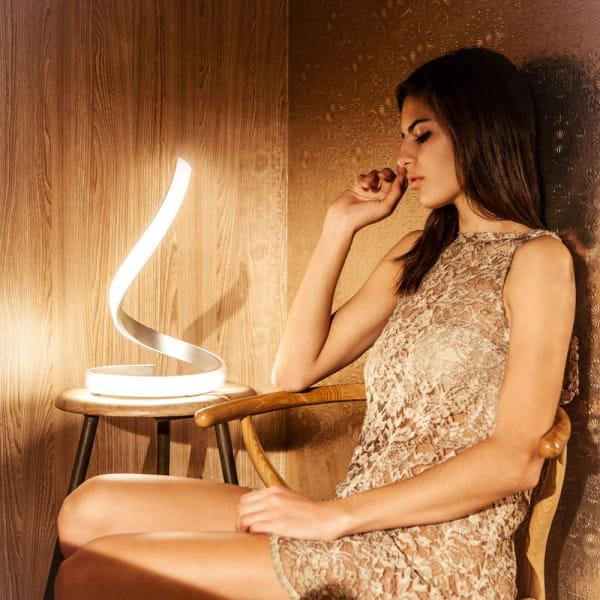 LED Tischleuchte Nur