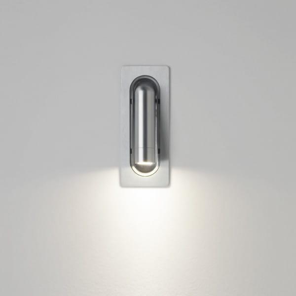 marset Wandleuchte Ledtube leuchtend (Bsp. RSC Aluminium satiniert)