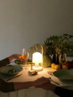 marset Tischleuchte LED FollowMe Ambiente Dinner am Tisch