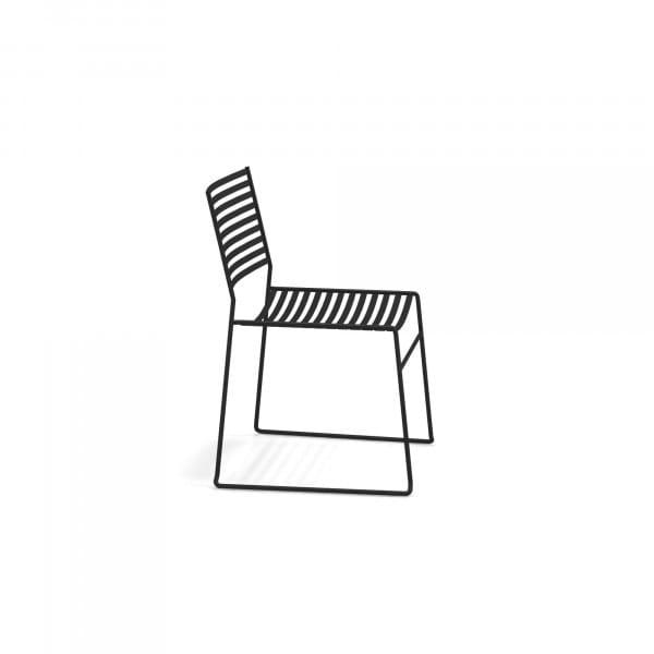 Emu Outdoor Gartestuhl stapelbar - 24 Schwarz - seitlich