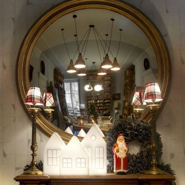 Beleuchtetes LED Weihnachts-Dorf Kolme / Kuusi