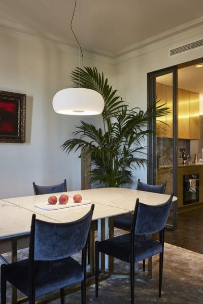marset Pendelleuchte LED Vetra Weiß Ambiente Tisch