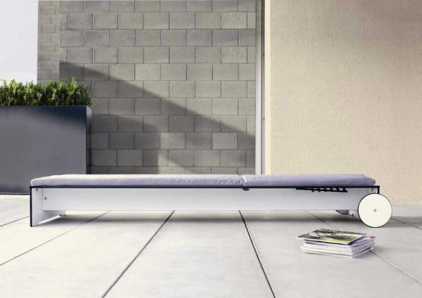 Moderne Sonnenliege Riva - conmoto Weiß flach