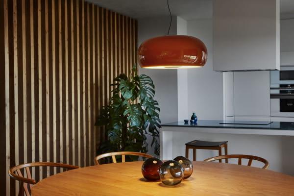 marset Pendelleuchte LED Vetra Bernstein Ambiente Tisch