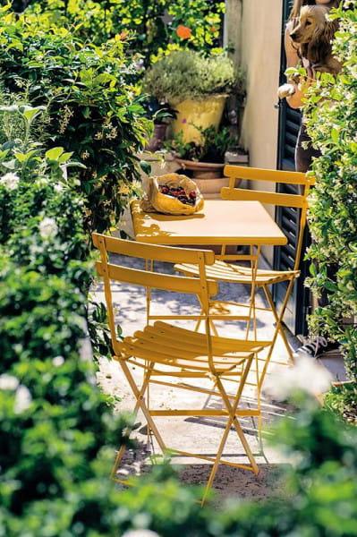 emu Arc en Ciel Gartentisch niedrig - Ambiente Beispiel 4